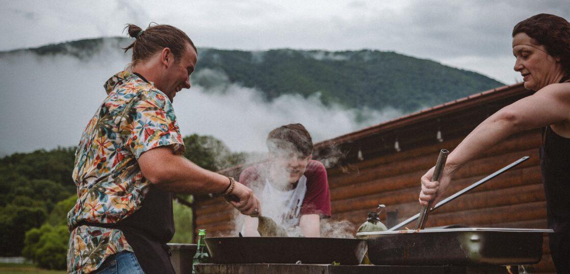 家族で行くBBQ場おすすめ3選 BBQを倍楽しむための持ち物・食べ物も紹介